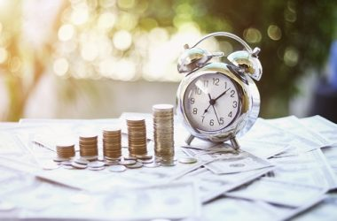 UK Expats: Does The Self-Assessment Tax Return Deadline Affect You?