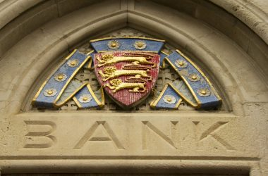 What Are The Benefits Of Offshore Banking For Expats?